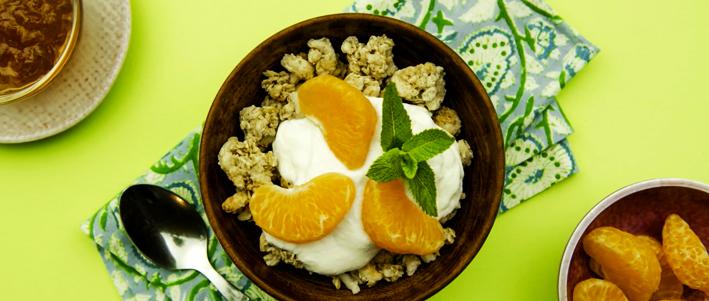 Time for some fun in the kitchen! Peel an orange the fun way!